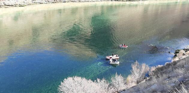 Fırat Nehri'nde kaybolan sürücüyü arama çalışmaları sürüyor