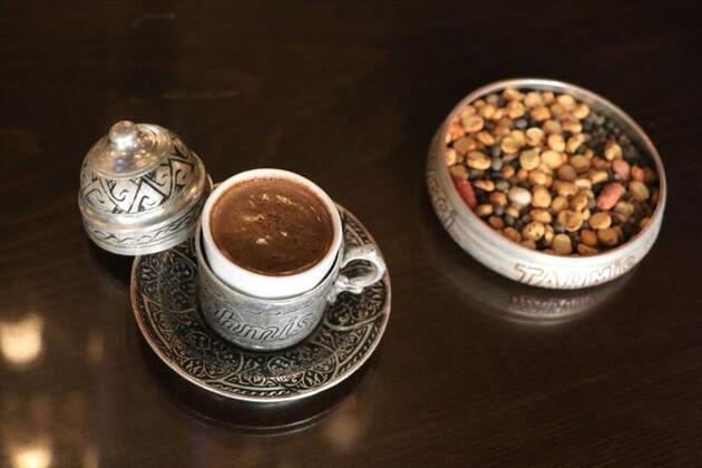 Lezzeti ve aroması bildiğiniz kahveden çok farklı! Faydaları saymakla bitmiyor