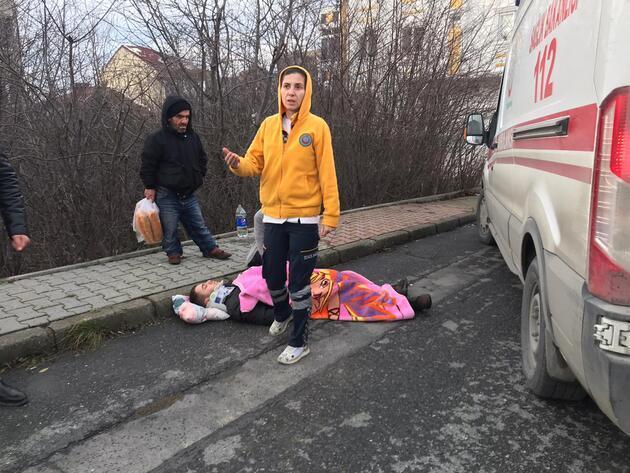 Yaralı için evinden battaniye getirdi