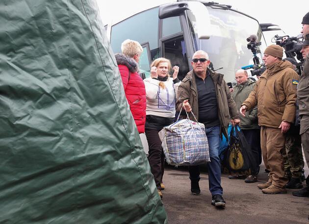 Ukrayna'da esir takası başladı
