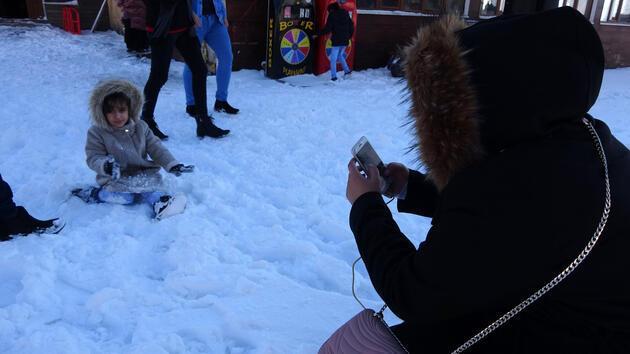 Zigana Dağı'nda kayak yapacak kar yok