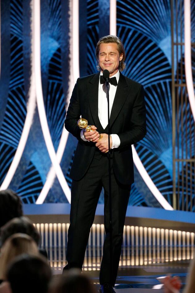 Jennifer Aniston ve Brad Pitt yeniden mi birlikte? Bu kare ödül törenine damga vurdu