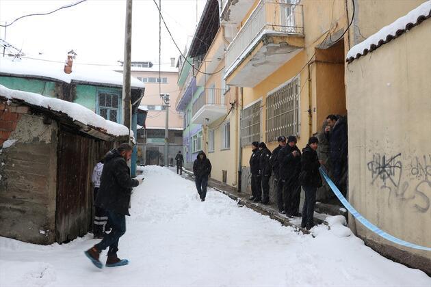 Kütahya'da bir evde iki ceset bulundu