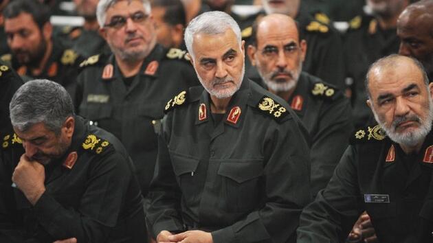 İranlıları öfkelendirecek sözler: Trump'tan miting alanında Süleymani'ye küfür!