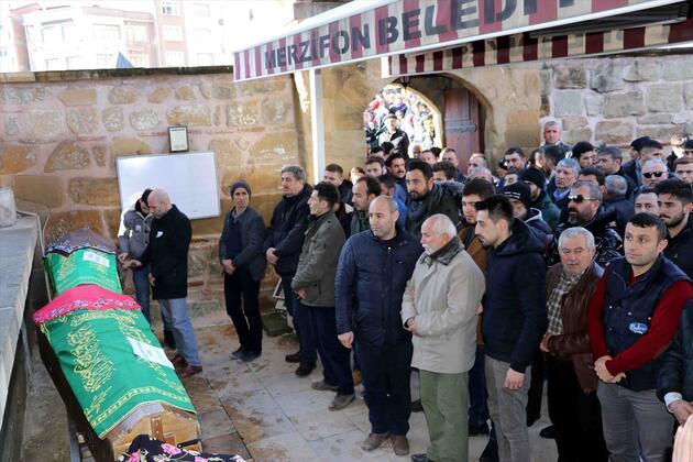 Amasya'da alışveriş merkezindeki yangında ölenler son yolculuklarına uğurlandı
