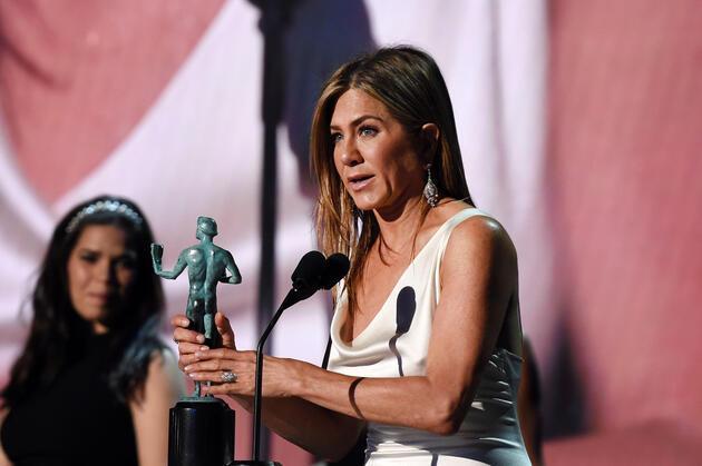 Törene damga vuran anlar: Jennifer Aniston ve Brad Pitt yıllar sonra aynı karede