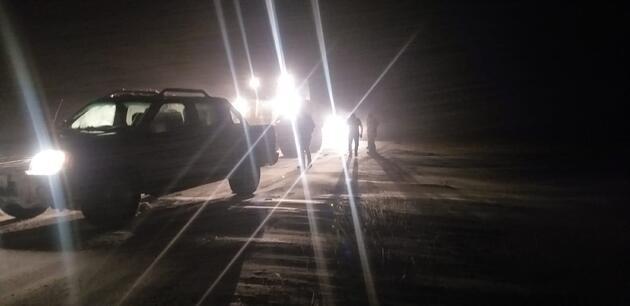 Karda mahsur kalan 7 kişi, 3 saatte kurtarıldı