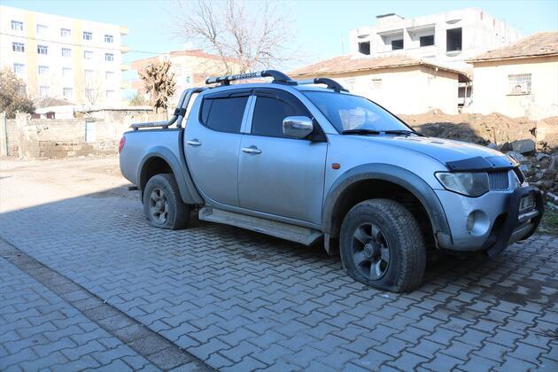 Diyarbakır'da bir kişi 150'den fazla aracın lastiğini patlattı