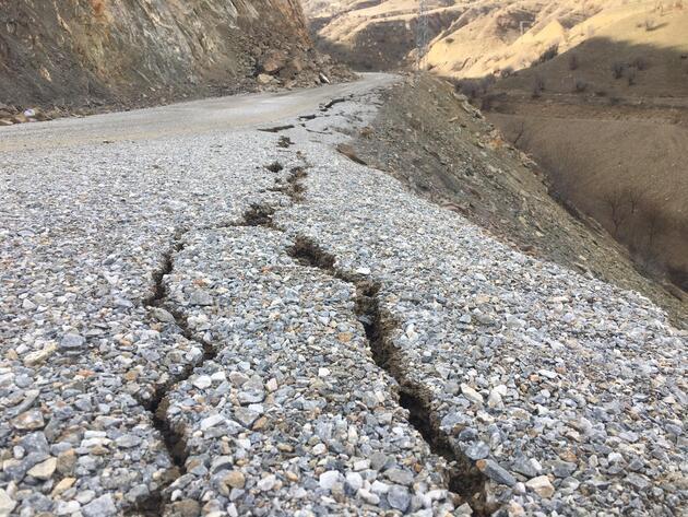 Deprem sonrası korkutan görüntü!