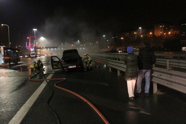 FSM Köprüsü'nde alev alan otomobilden son anda indiler
