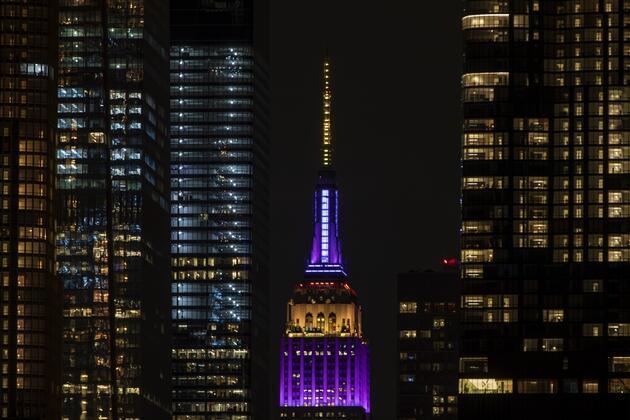 Empire State binası Kobe Bryant anısına ışıklandırıldı