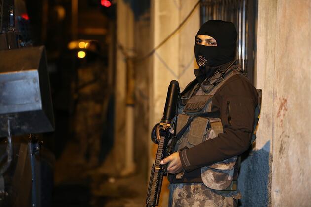 Adana'da DEAŞ operasyonu: 4 gözaltı