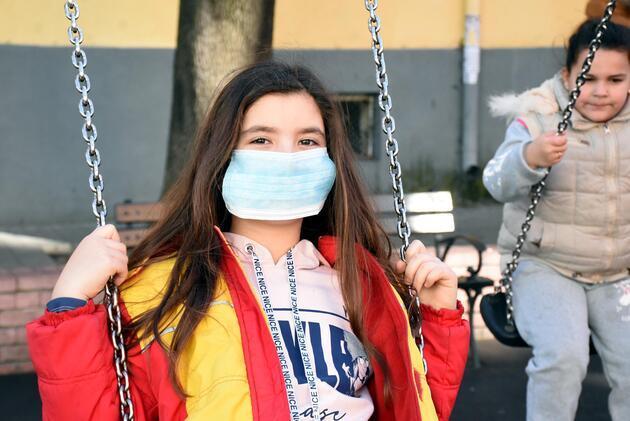 Komşuda grip salgını: 1300 okulda eğitime ara verildi