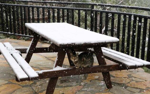 Burdur'a mevsimin ilk karı