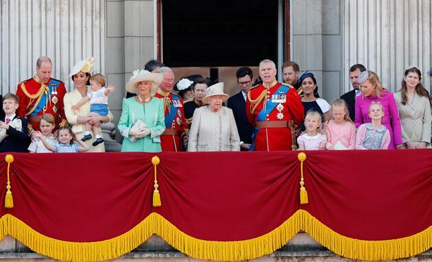 """Kraliyet ailesinde yeni deprem: """"Boşanma kararı aldılar"""""""