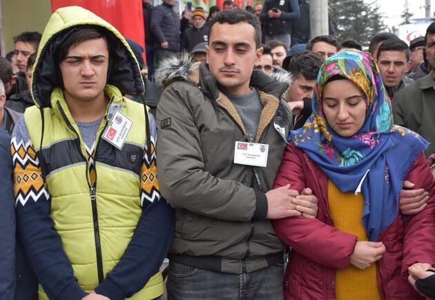 İdlib şehitleri son yolculuklarına uğurlandı