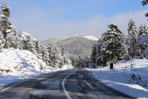 Akseki'de doyumsuz kar manzarası