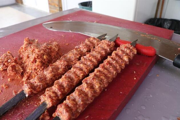 Adana'da bir üretici yaptı! Yemek için 3 gün üst üste gelen bile var!