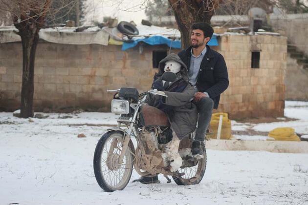 Şanlıurfa'da kardan adam direksiyona geçti