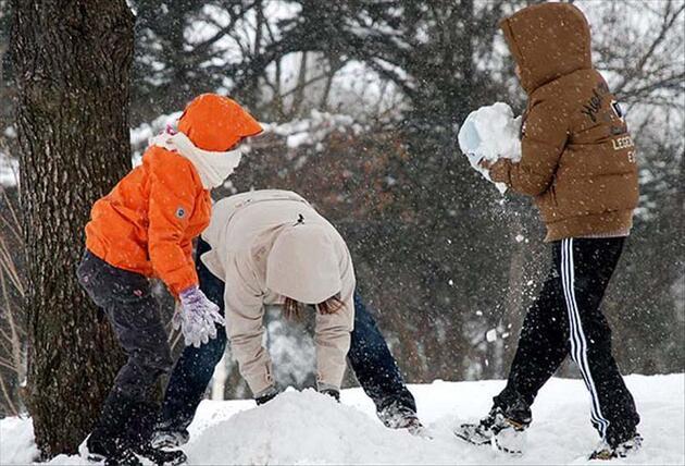 Eğitime kar engeli! İşte okulların tatil edildiği iller