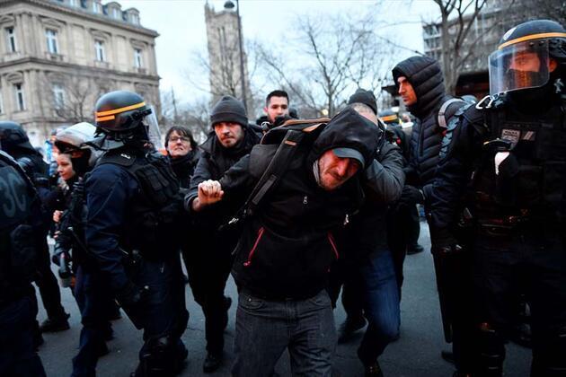 Fransa'da en uzun grevin yankıları sürüyor!