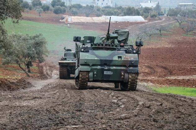Suriye sınırına sevkiyat sürüyor