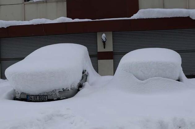 Van'da son 26 yılın 'kar kalınlığı' rekoru kırıldı