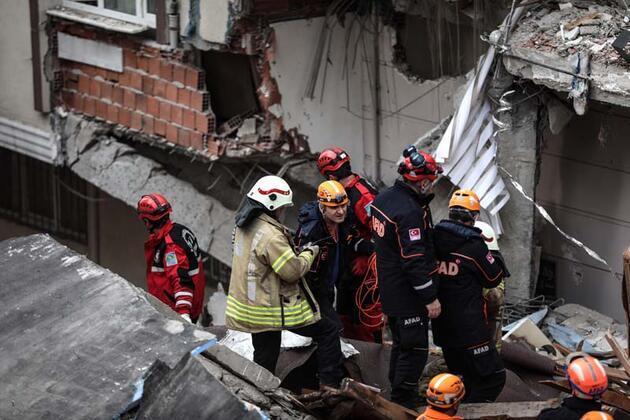 Bahçelievler'de çöken binanın yakınındaki 5 bina boşaltıldı