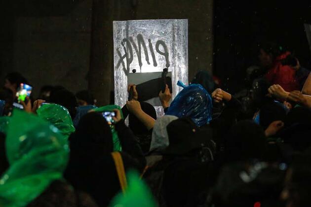 Meksika'yı ayağa kaldıran vahşet: Halk böyle protesto etti