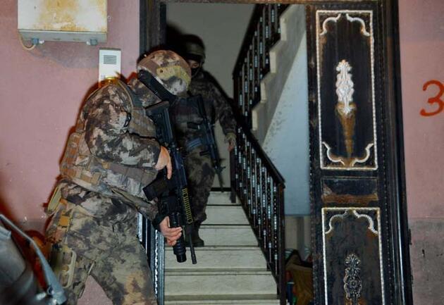 Adana'da terör operasyonu: 8 gözaltı