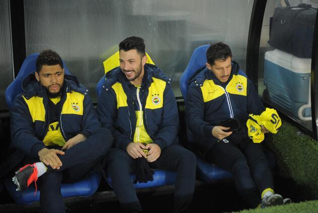 Fenerbahçe'ye Galatasaray derbisi öncesi iki şok birden!