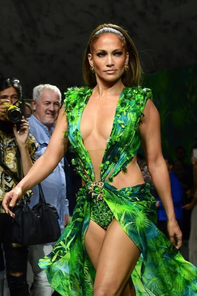 Milyonlarca beğeni geldi! Jennifer Lopez ortalığı yakıp yıktı…