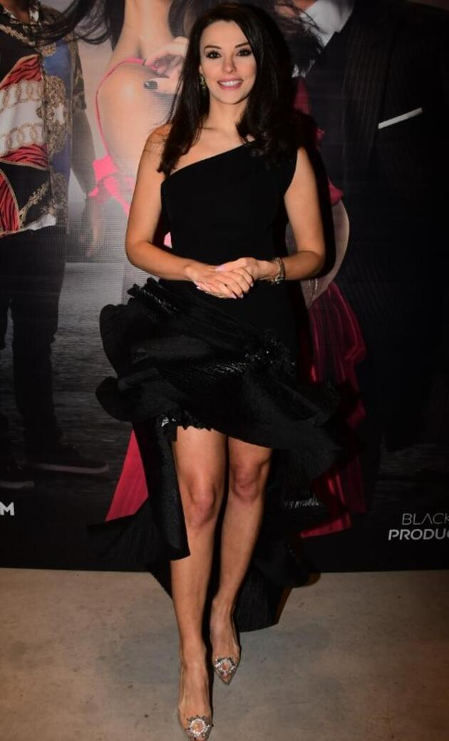 'Ağır Romantik' filminin galasında soğuk rüzgarlar