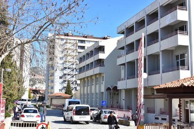 Üniversitedeki şüpheli zarftan nişasta çıktı, 2 öğretim görevlisi gözaltına alındı