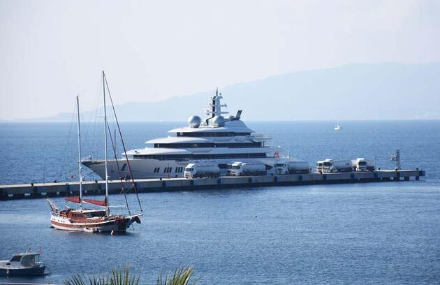 Dünyanın 50 büyük yatından biri Türkiye'de! Tam 1 milyon 300 bin lira ödeyecek