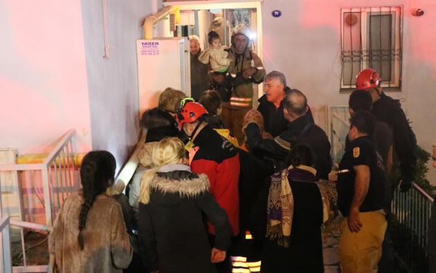 İzmir'de korku dolu anlar: 10 kişi dumandan etkilendi, 11 katlı bina tahliye edildi