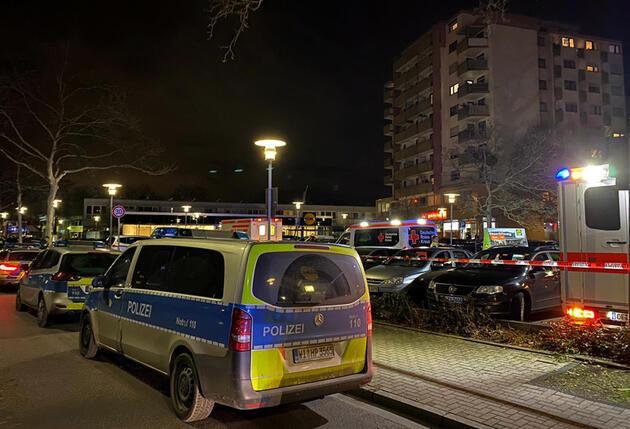 Son dakika...  Almanya'da iki kafeye silahlı saldırı: 11 kişi öldü