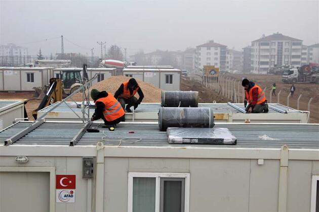 Elazığ'da konteyner kent kurulumları son aşamaya geldi