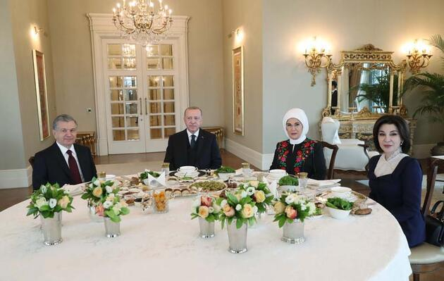 Cumhurbaşkanı Erdoğan ve Mirziyoyev kahvaltıda bir araya geldi