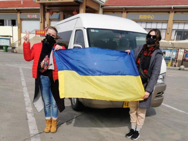 Ukraynalılar hastaneler önünde barikat kurdu: Virüslüleri getirmeyin