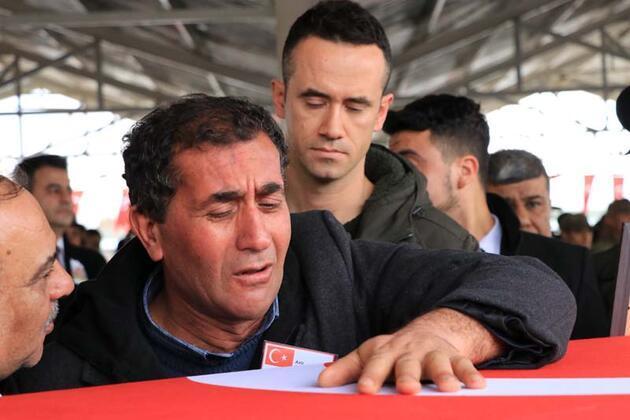 İdlib şehidi sözleşmeli er memleketi Gaziantep'te toprağa verildi