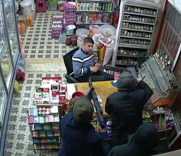 Av tüfekleri ile soygun kameraya yakalandı