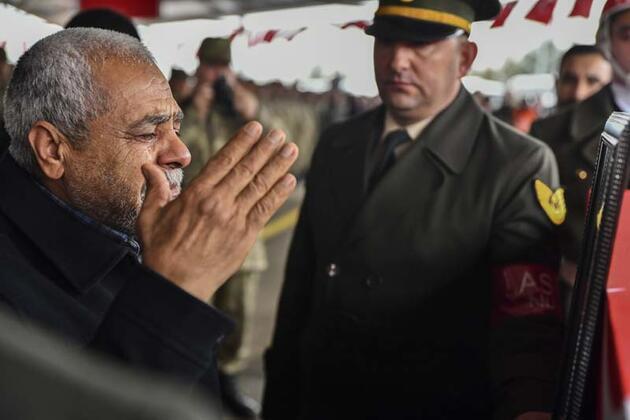 İdlib şehidi Tankçı Sözleşmeli Er Mecit Demir Gaziantep'te son yolculuğuna uğurlandı