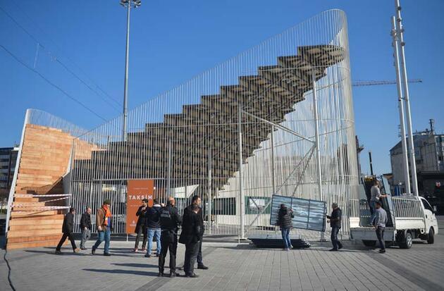 İBB'nin kurduğu geçici sergi platformu kaldırılıyor