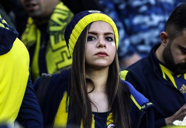 Ali Koç ve Mustafa Cengiz derbiyi beraber izledi