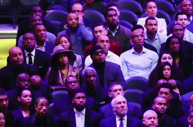 Kobe Bryant'ın eşi gözyaşlarına boğuldu
