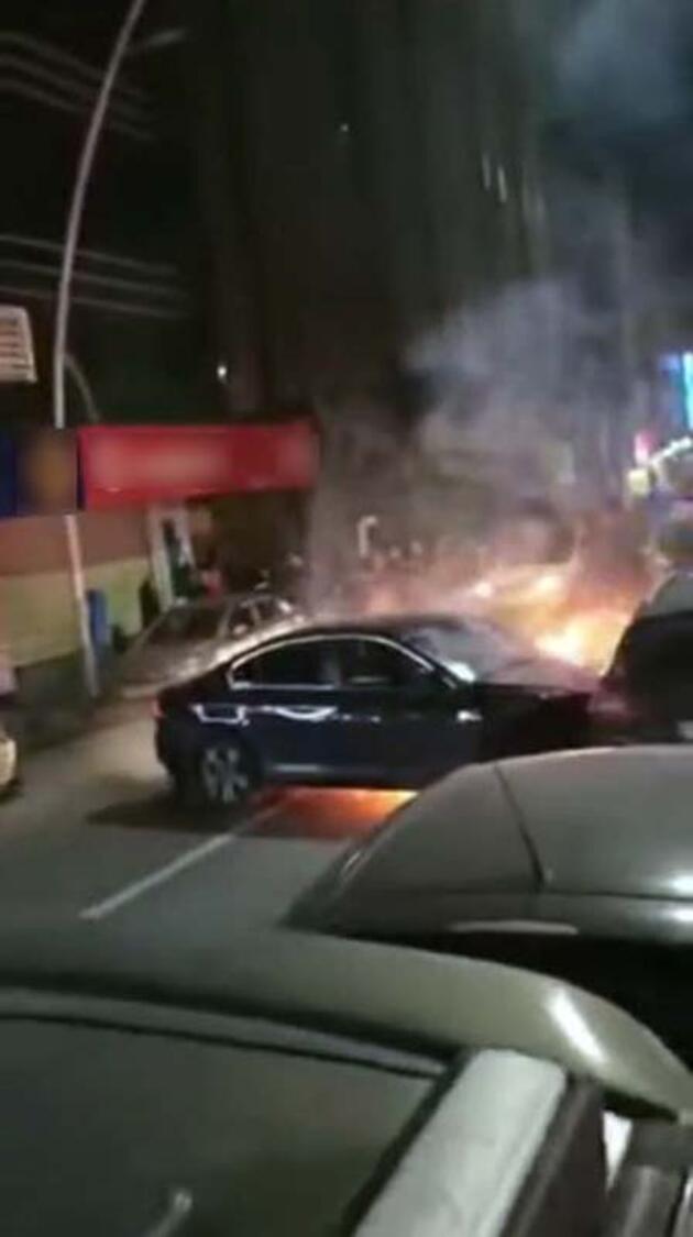 Ortalığı birbirine kattı, araçtan inmedi yangın çıktı...