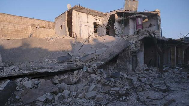 İdlib'de can pazarı: 12'si çocuk 31 ölü, 104 yaralı