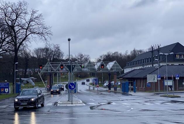 Almanya'da 'korona' önlemi: Havalimanı kapatıldı