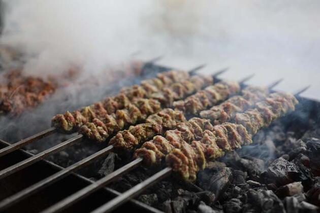 Antep fıstığı ile et buluştu! 'Fıstık Kebabı' yoğun ilgi görüyor